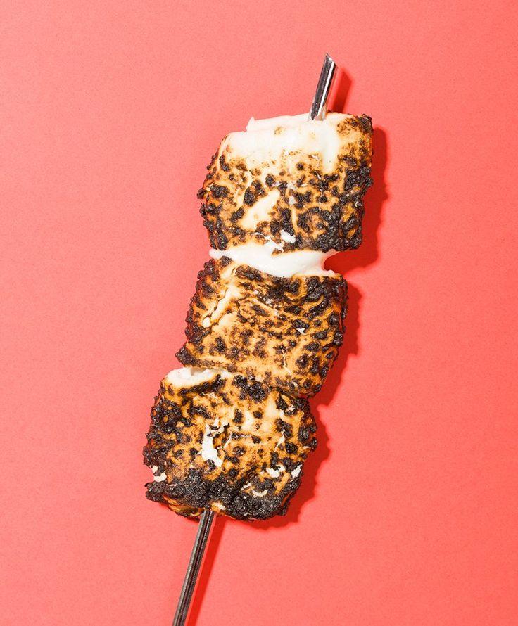 Burnt Marshmallow Pudding Pops // Wit & Vinegar
