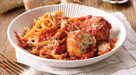 Your family will love Curtis' tasty chicken meatballs with fettuccine in a homemade Napoli sauce.