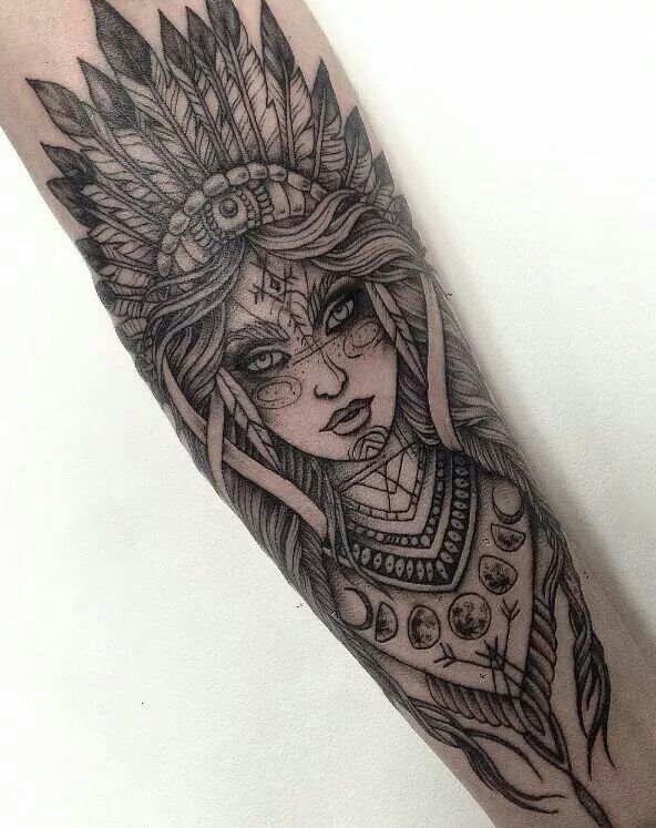 Tattoo Indianerin Kämpferin Nativ Mond Sleeve