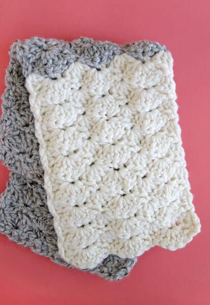 how to crochet the shell stitch - simple shell scarf