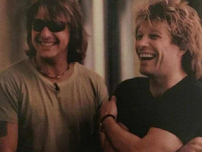 Richie Sambora and Jon Bon Jovi - How cute is this? #richiesambora #kingofswing #jonbonjovi #bonjovi #jbj #captainkidd @jovofan1 | Tumblr