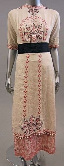 A simple linen summer dress with beautiful hand embroidery, 1912.