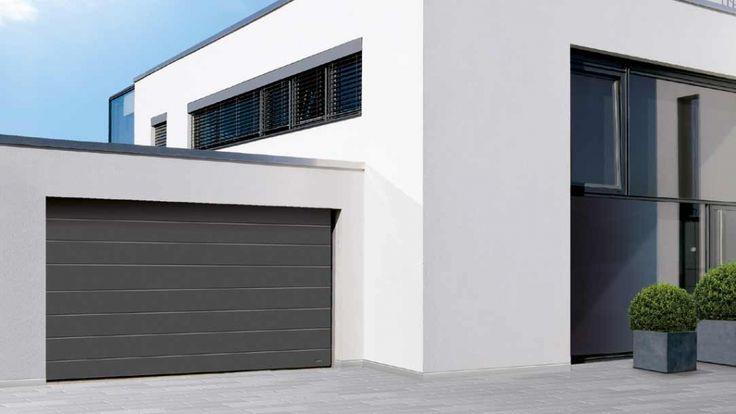 Moder Garage mit Sektionaltor