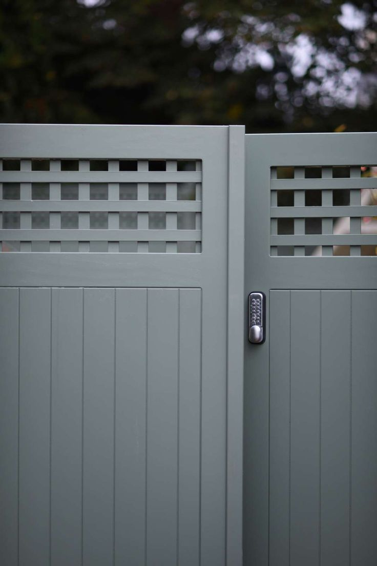 Bespoke Wooden Garden Gates Essex Uk The Garden Trellis Company In 2020 Wooden Garden Gate Metal Garden Gates Garden Gates