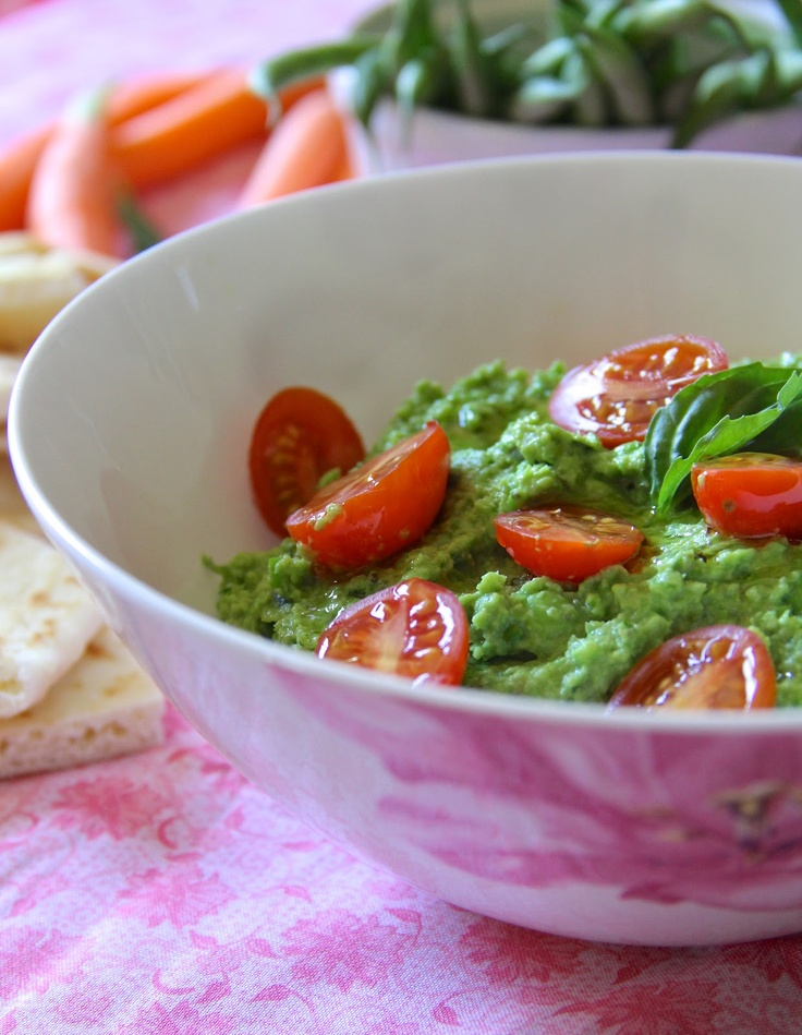 Fresh Pea Hummus. A quick and healthy dip.