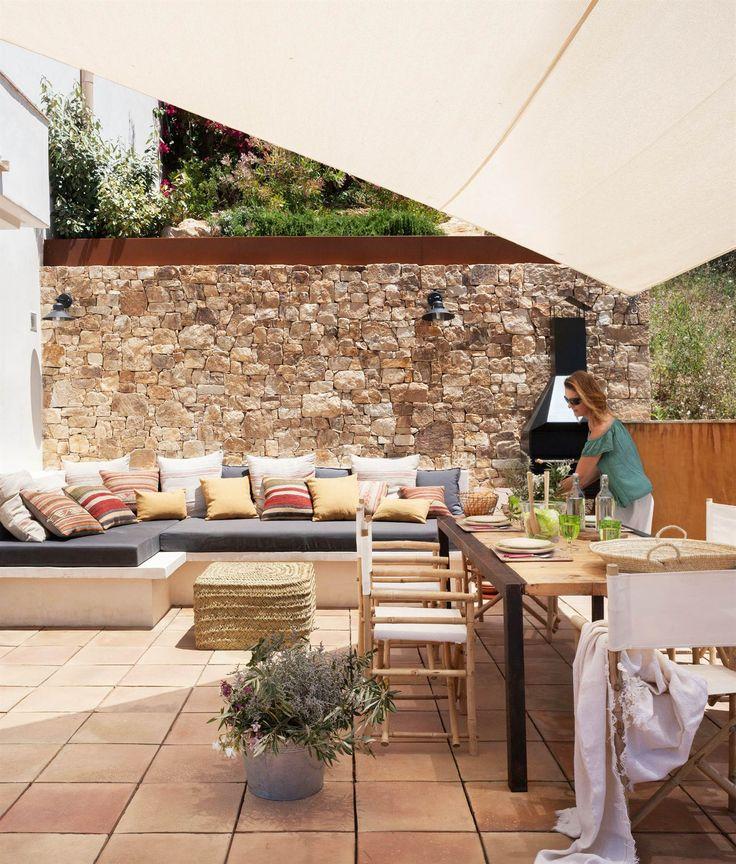 Terraza con sofas y mesa puesta 00436748 o reuni n for Terrazas decoracion rusticas