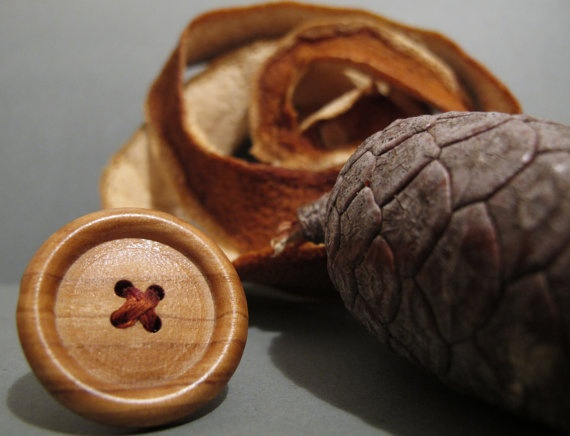 Wood button ring