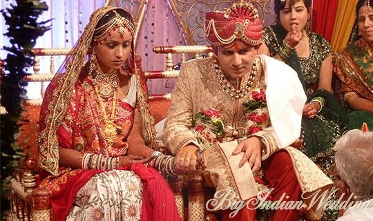 Gujarati wedding rituals.  Gujaratis, known for being mirthful, jovial and fun-loving, have a rich history of indigenous customs and rituals. Gujarati weddings are a reflection of all these and more. With a dose of simplicity and ingenuity, Gujarati wedding rituals are a true embodiment of their vibrant culture. Unique customs and amusing rituals make it a fun experience to reckon with. Let's take a sneak-peek into the same.