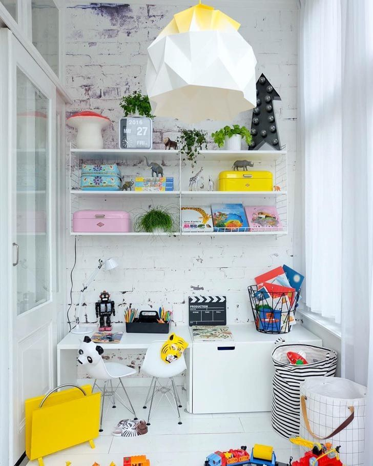 Find out 12 Inspiring Study Areas for Kids http://petitandsmall.com/12-inspiring-kids-study-areas/