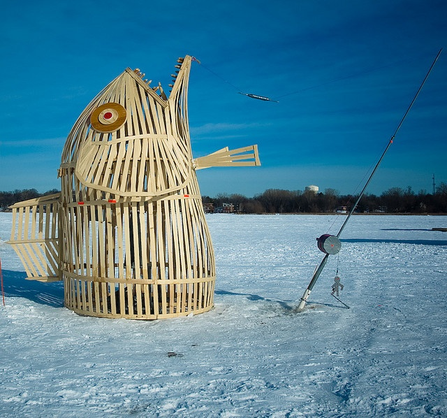 1000 images about ice fishing houses on pinterest ice for Ice fishing shanty