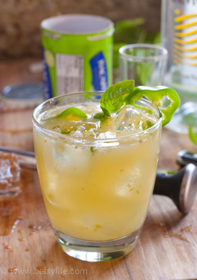 Green dragon bacardi cocktail recipe awesome summer for Green alcoholic drinks recipes