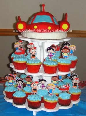 Homemade Little Einsteins Rocket Birthday Cake: My inspiration came from this entire collection of Little Einsteins Rocket cakes.  The photos and the descriptions were so useful in planning my own Little
