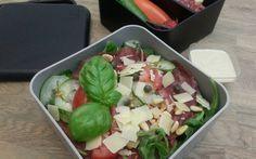 Carpaccio salade. Recept voor het koolhydraatarm dieet onderdeel van de gobento.nl weekmenu's.