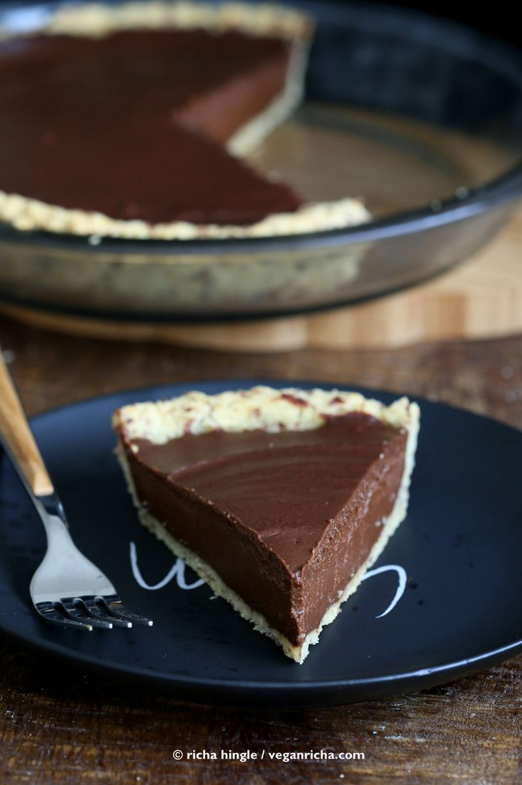 Vegan Chocolate Pumpkin Pie with Almond Crust - Vegan Richa