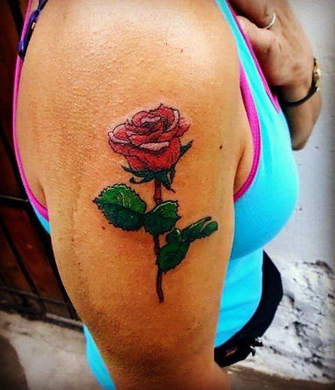 Subiendo fotos pendientes. :) - #rosetattoo #rosa #tatuaje #fullcolor #girl #woman #chance #lachancetattoo #hojas #followme #love #dibujo #diseño #design #drawing #colors #me #line #ink #electricink