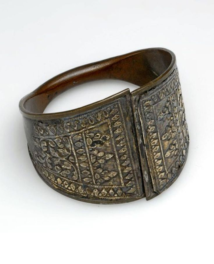 Indonesia - Sumatra, Pasemah Lebar | Copper and silver bracelet | ca. 1947 or earlier