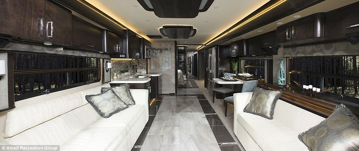American Eagle RV manufacturers recently released their latest top-of-the-line…