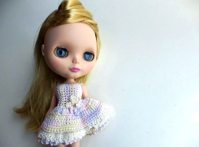 I've crochet dresses for my blythe. this is one of them