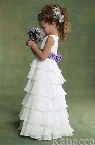 Love the ruffles for the flower girl