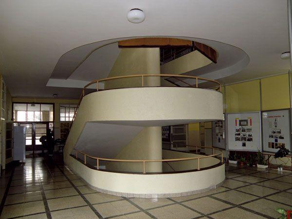 Moyzesovo štátne reálne gymnázium v Ružomberku,  architekt Adolf Benš.