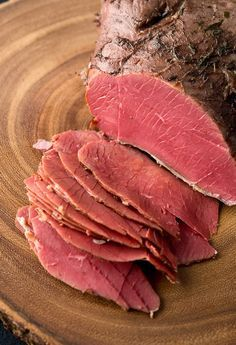 How to make corned venison at home. Recipe from Hunter Angler Gardener Cook. via @huntgathercook