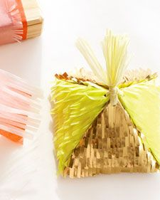 fringed pyramid favor box - how to: Crafts Boxes, Idea, Diy Fringes, Fringes Pyramid, Kids Birthday Parties, Diy Gifts, Favors Boxes, Pyramid Favors, Gifts Boxes