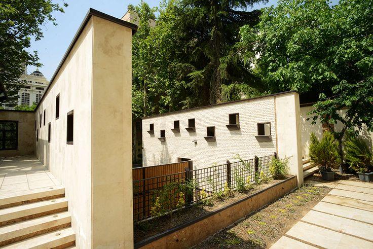 Haiat- e - Elahie Residential Building
