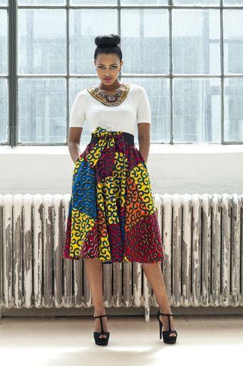 Kaela Kay c'est une marque basée aux Etats-Unis créée par Catherine Addai. Nous suivons cette marque depuis un moment maintenant et c'est avec beaucoup de plaisir que nous découvrons les collections qu'elle propose. La marque a beaucoup de cachet et une identité qui lui est propre: le mélange de pagne avec d'autres types d'imprimés, notamment ...