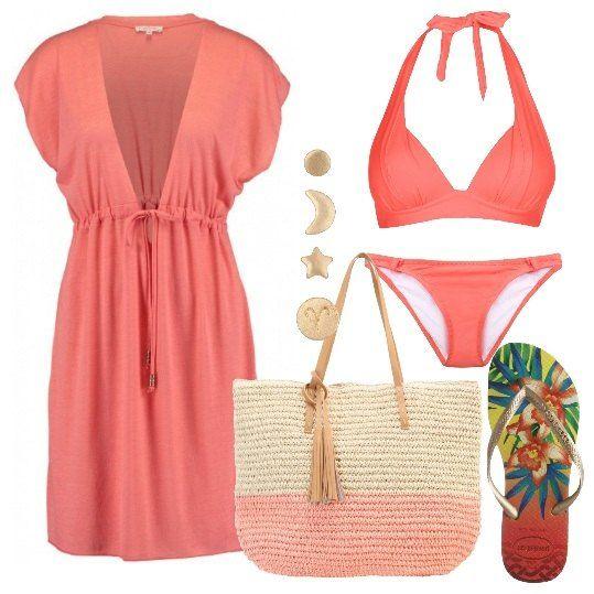 Look+da+spiaggia+sui+toni+del+rosa+composto+da+bikini+push+up,+copricostume+con+leggera+trasparenza,+infradito+colorate+in+gomma,+shopping+bag+e+piccolissimi+orecchini.+Non+vi+servirà+altro+per+la+vostra+giornata+al+mare.