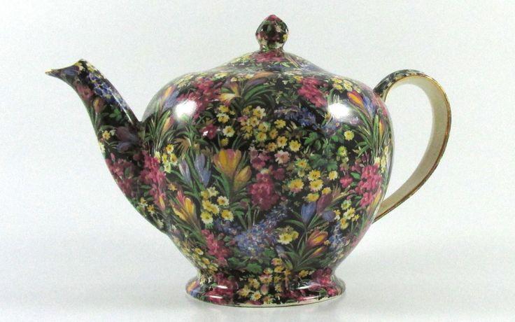 """""""Black Crocus"""" Albans Tea Pot"""