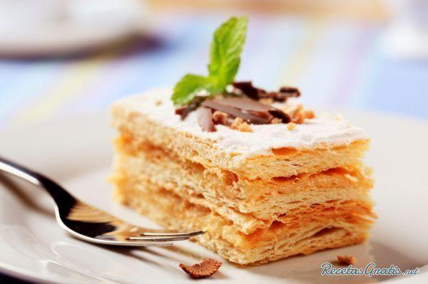 "How to Make a Simple Chilean ""Torta de Milhojas"" Cake #dessert #cake #milhojas #millefeuille"