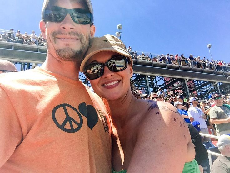 Had a great time at the @talladegasupers yesterday for the @nascar @geico 500! #SunAndFun  #FunWithTheFam #FunWithTheFamily #FamilyFun #FamilyFunDay #Selfie #iPhone #NASCAR #Talladega #TalladegaSuperSpeedway #Peace #HoldTight #GrandStand #Geico #Geico500 #NASCARNation #TalladegaAlabama #Alabama #AlabamaLife #AlabamaLiving #Racing