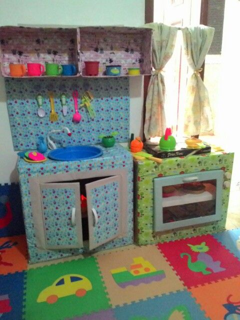 This is an adorable #kitchen set made from #cardboard #toy #diy #craft #kids