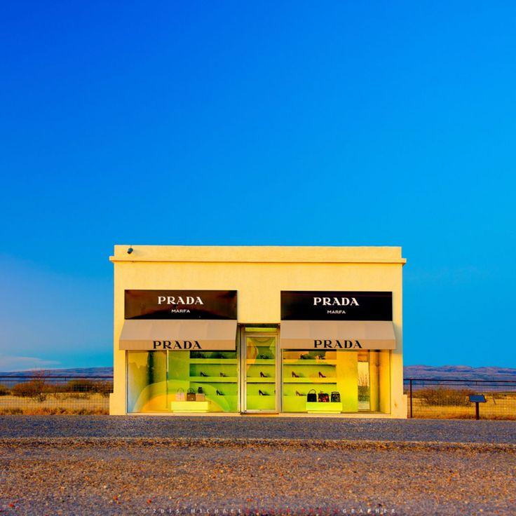 砂漠の中に佇むブティック。アメリカ「PRADA MARFA」がアート的すぎる | RETRIP[リトリップ]