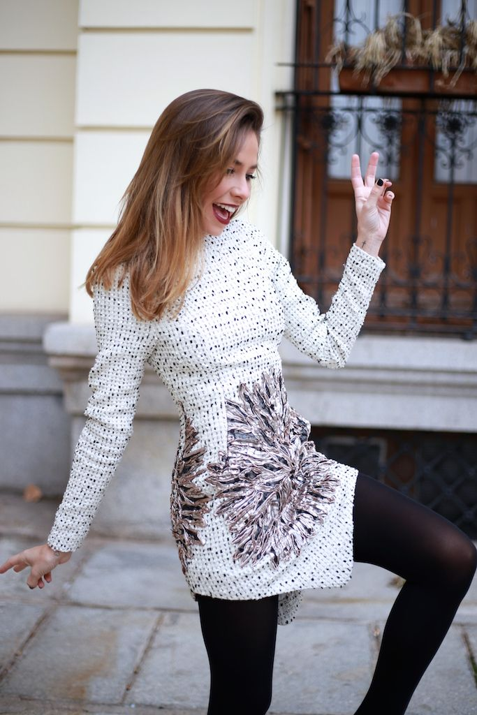 Marta Carriedo wearing a beautiful white dress (David Christian) and black opaque tights (Calzedonia)