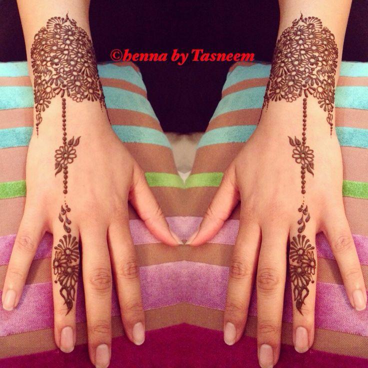 Arabic flower detail henna