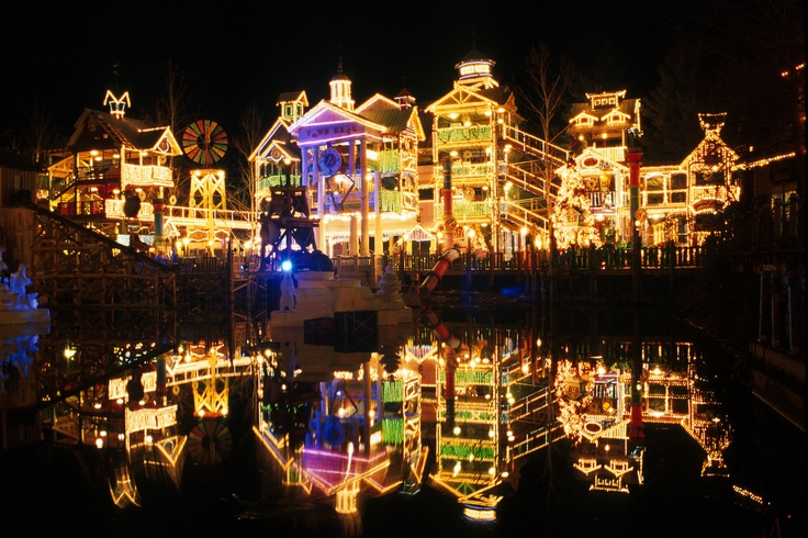 Geyser Gulch at Silver Dollar City during An Old Time Christmas