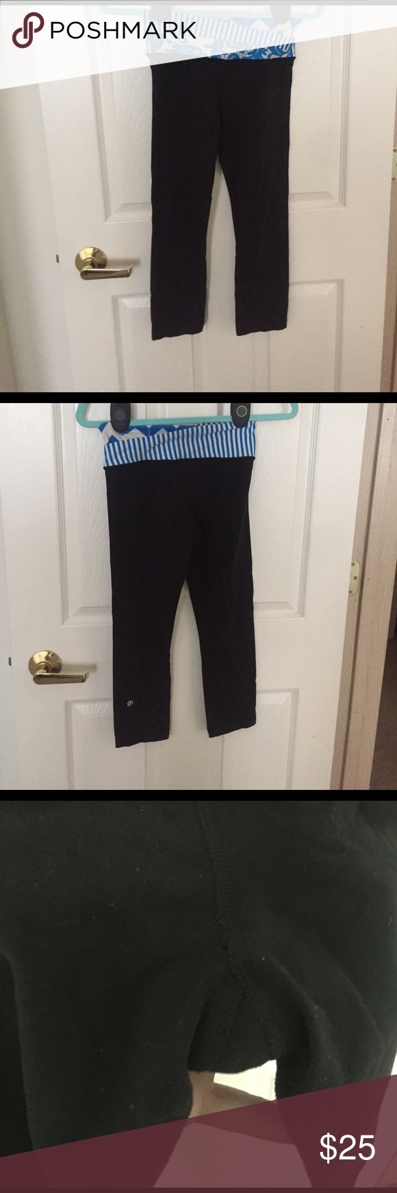 lululemon 7/8 crop leggings lululemon 7/8 crop leggings! In good condition has pilling but no holes. Price reflects condition but still wonderful :-)! The have been nicely wash and cleaned with tide ready for another workout. They no longer fit me after having kids and are looking for a new loving home lululemon athletica Pants Leggings