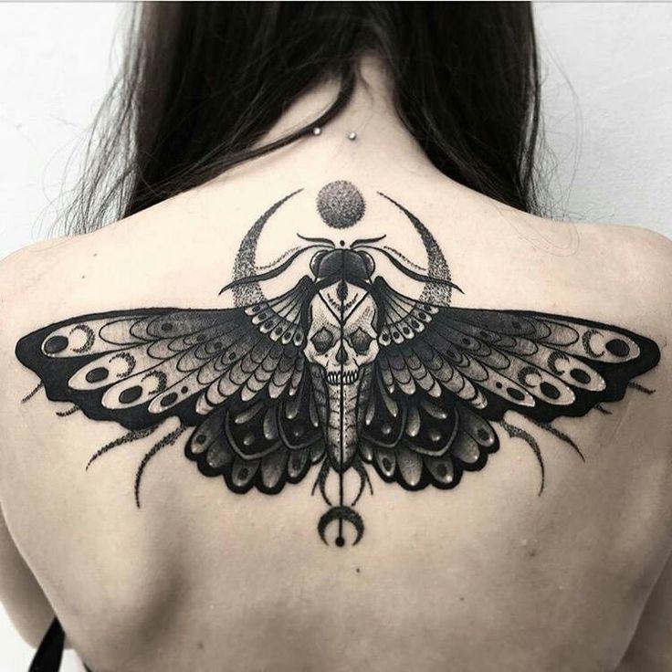 Todeskopf Motte Mond Tattoos Tatowierungen Motten Tattoo Ideen Fur Tattoos