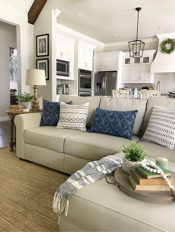 25 Awesome Living Room Design Ideas On A Budget: Best 25+ Minimalist Living Rooms Ideas On Pinterest