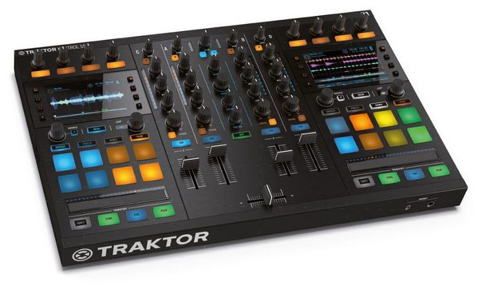Dutch webshop bax-shop.co.uk has the scoop of the new Native Instruments Traktor Kontrol S5. We see a small version of the Traktor Kontrol S8. According to Bax there are no inputs to connect CD pla...