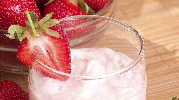 Smoothie vegano de fresas con crema
