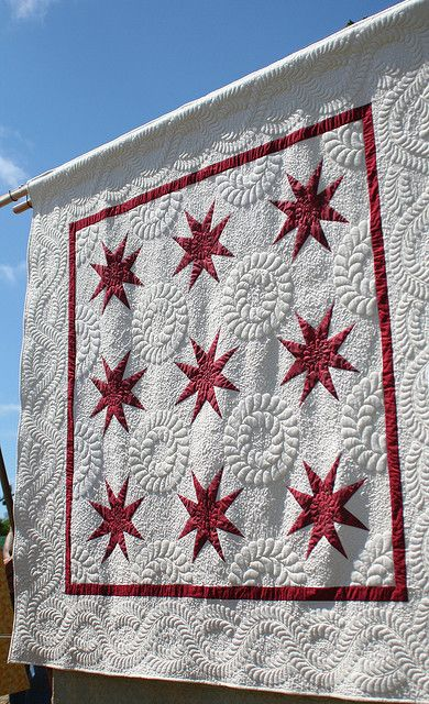 White and Red Star Quilt | Flickr - Photo Sharing!