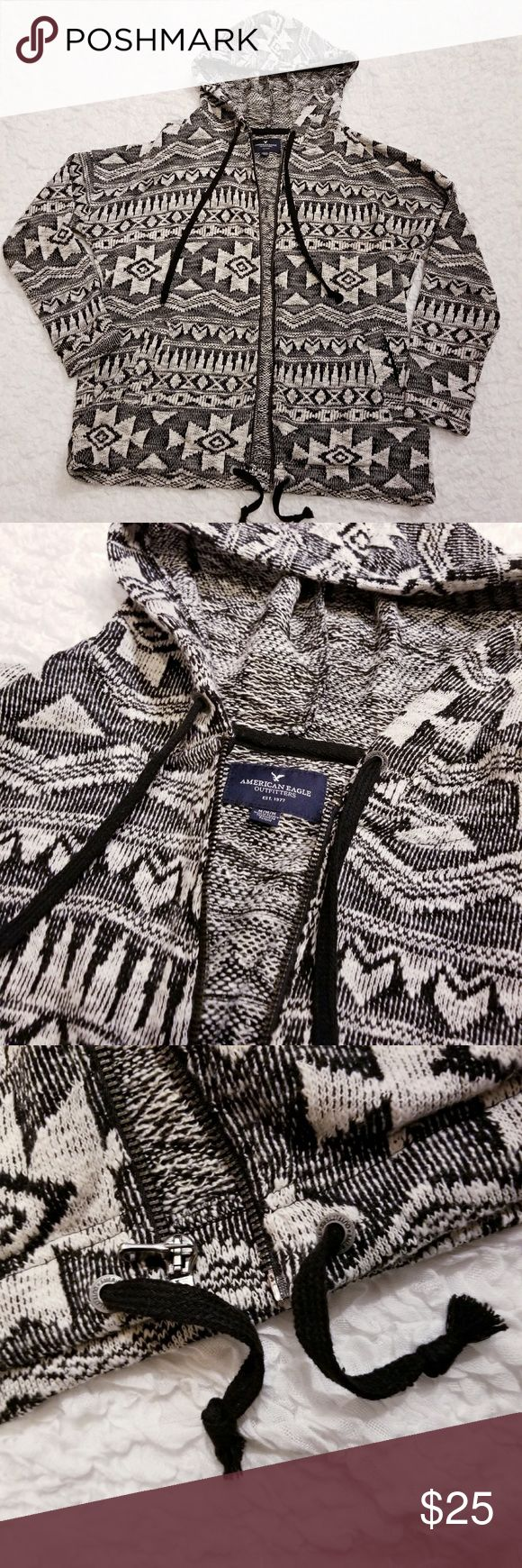 """Aztec Print Zippered Hoodie by AE Outfitters American Eagle Aztec Print Hoodie Size M Approximate measurements when flat: Length 24.5"""" Sleeve 28"""" Bust when zipped 26"""" Pockets on each side.  Drawstring at waist and on hood.   I ship postal every day - sometimes twice! I will communicate with you if I'm unable to fulfill your order within 24 hours right away.  Please take a look at my other listings - save $$$ when you buy more with my seller discount and combined shipping. American…"""