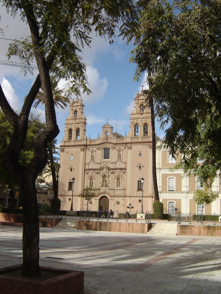 Huelva - Catedral La Merced - photo by Robert Bovington ****      The Cathedral of La Merced began life as a church - the Convent of La Merced was constructed in 1605. It was converted to a cathedral in 1953. It also has been declared a site of Cultural Interest.