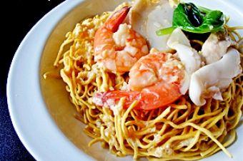 New Moon Chinese, Seafood  1247 Stockton St, San Francisco, 94133 https://munchado.com/restaurants/view/221/new-moon