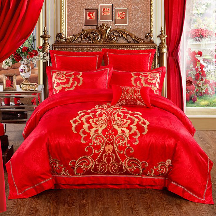 High-Quality wedding bed set bedding golden embroidery cotton satin red bedding set 4pcs/set  Duvet cover set Chinese style