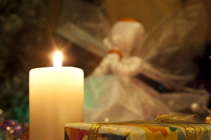 Natal em luz de vela. http://www.torange-pt.com/Holidays/christmas/Natal-em-luz-de-vela-6650.html  #Natal #blizzard #Vela #Novo #Presente #árvore #caixa #agulhas #Neve #queda #alegria #espera #fragrância #Floresta #Fresco #decoração #Surpresa #Inverno #lanterna #luz #quedas #escuro #semana #neve #floresta #noite #Verde #curva #ouropel #filiais #Romance #feriado #presentes #ano #Cartão #Árvore #pinho #vermelho #Velas #luzes #Fogo #amarelo #azul #Decoração #Brinquedos #esfera #verde