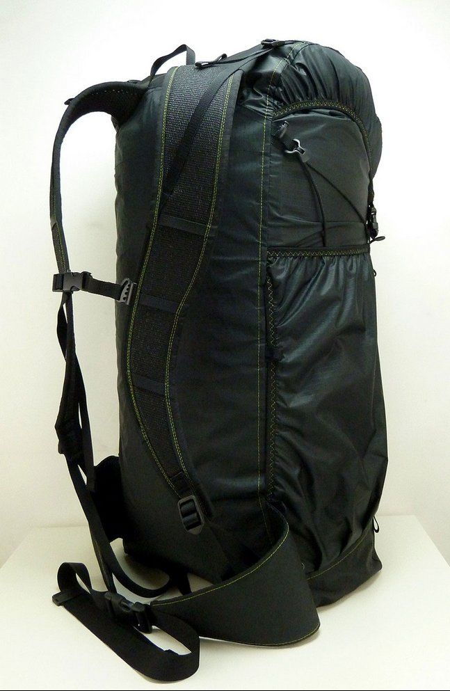 German manufacturer Laufbursche makes fantastic ultralight hiking and outdoor gear. This is huckePACK Nr. 381, which was custom-made specifically for me.   #huckePACK #laufbursche #laufburschegear #ultraleicht