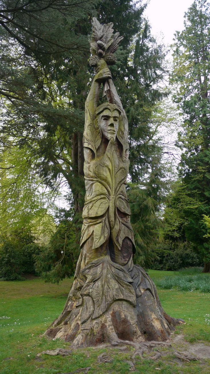 Tree sculpture in Bath Botanical Gardens